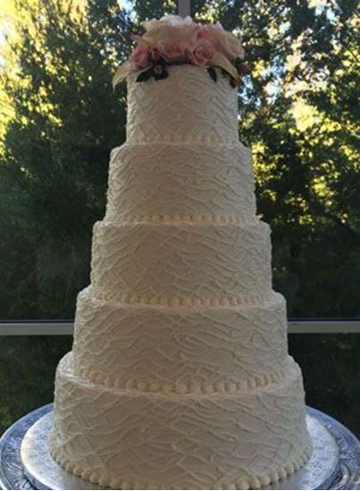Picture of Horizontal Twig Texture Wedding Cake
