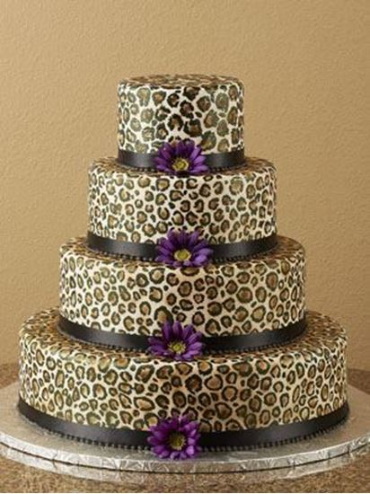 Picture of Hand Painted Leopard Wedding Cake