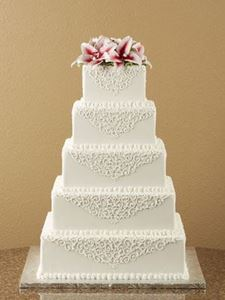 Picture of Victorian Scrolled Square Wedding Cake