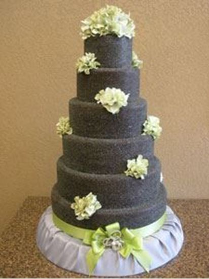 Picture of Chocolate Sugar Glitter Wedding Cake