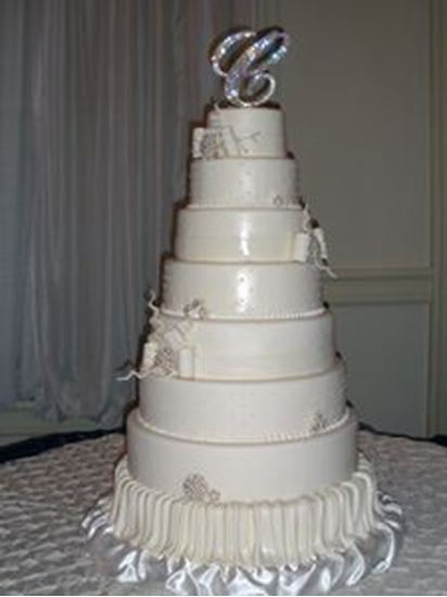 Picture of 8 Tier Bling & Bows Wedding Cake