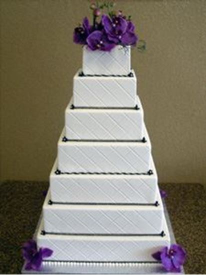 Picture of Square Quilted Fondant Wedding Cake
