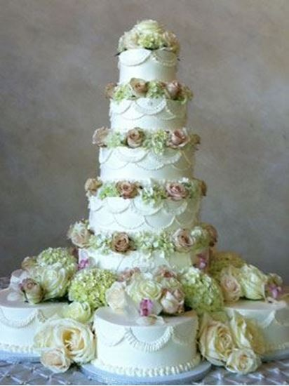 Picture of Buttercream Drapes Wedding Cake