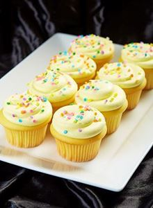 Picture of 1 Dozen Yellow Butter Cupcakes