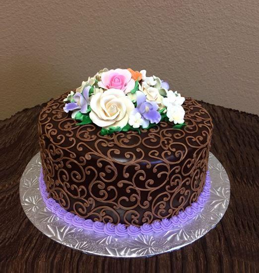 Picture of Ganache & Scrolls Cake