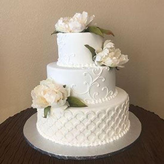 Picture of Wedding Ring & Scrolls Wedding Cake